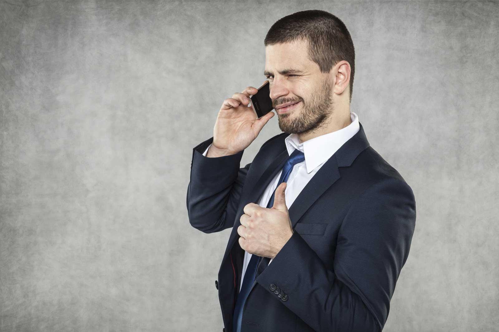 Mehr Kunden: So behalten Ihre Mitarbeiter in der Telefonakquise gute Laune
