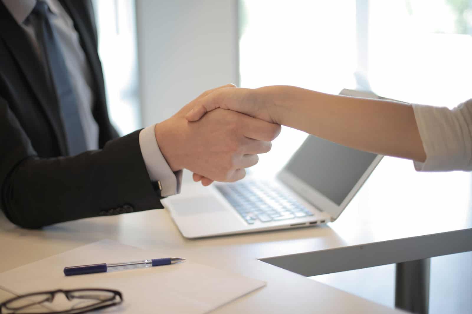 Schnell wieder mehr verkaufen: Fünf Strategien für Dynamik im Neustart