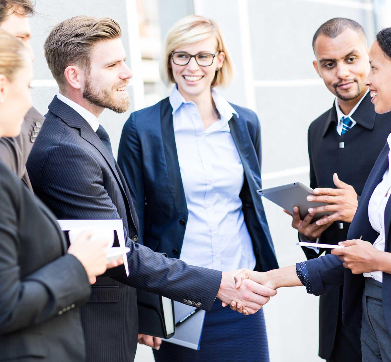 Fünf nicht ganz alltägliche Methoden, mit denen Sie den Kundenkontakt halten